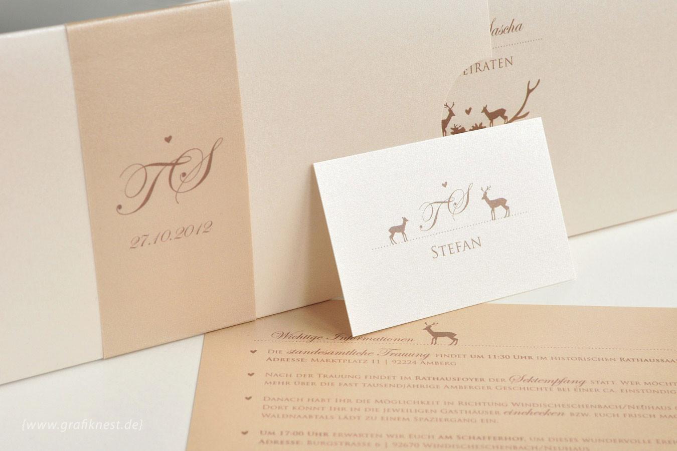 Wildromantische Hochzeitseinladung zum Herausziehen mit Banderole