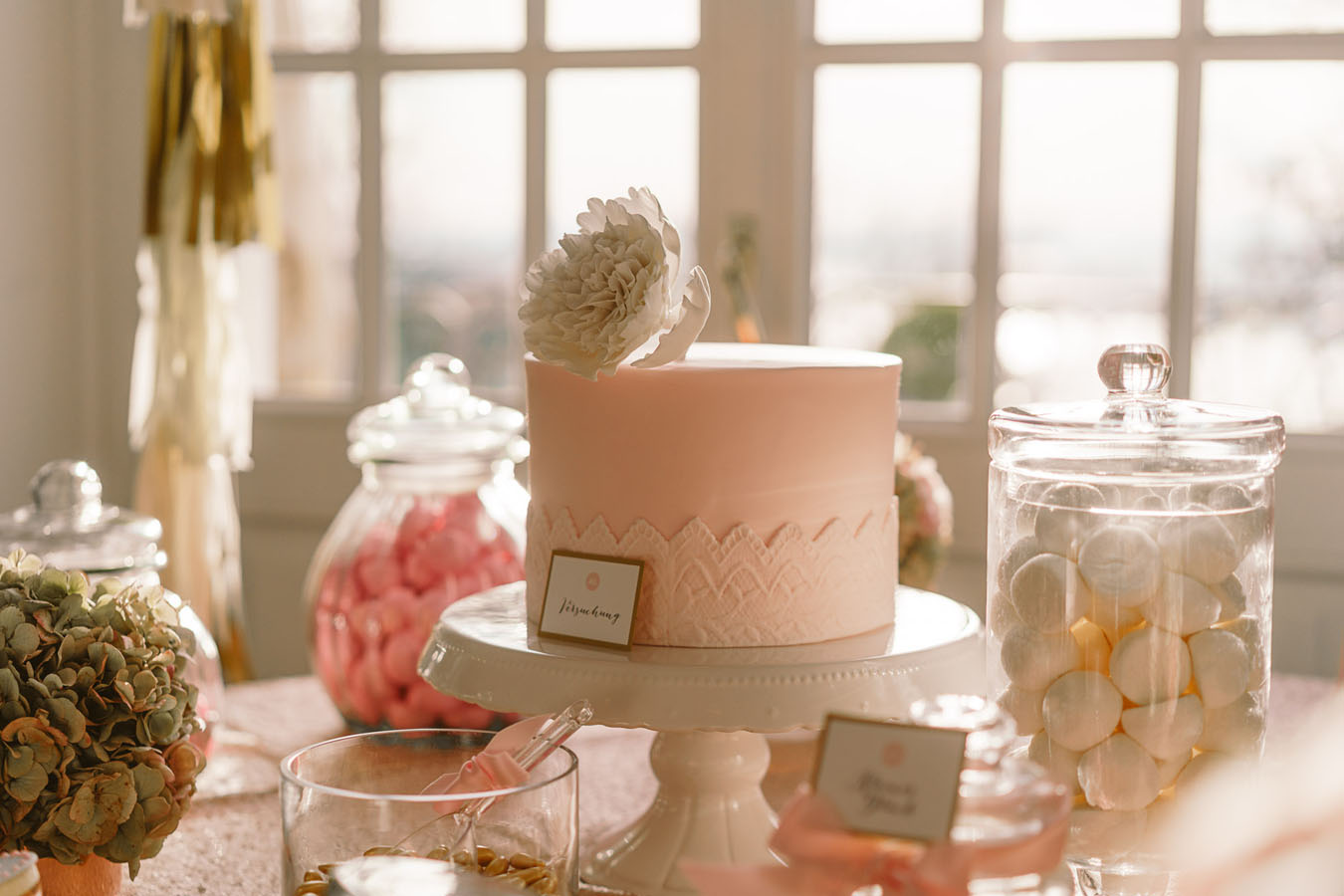 Paris City of Love Sweet Table Schildchen mit Torte