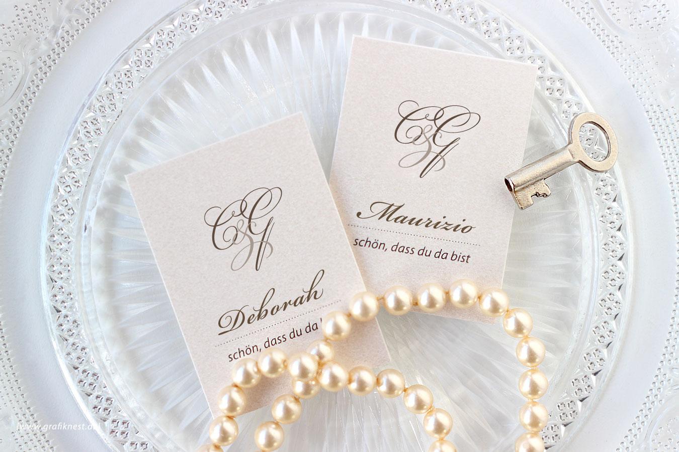 Klassische Schloss Hochzeit Tischkarten mit Monogramm
