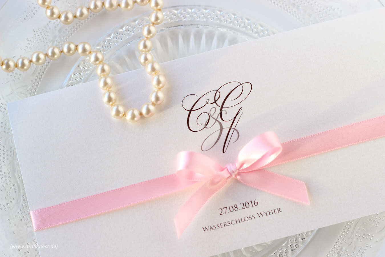 Klassische Schloss Hochzeitseinladung für Ceren und Gabriel
