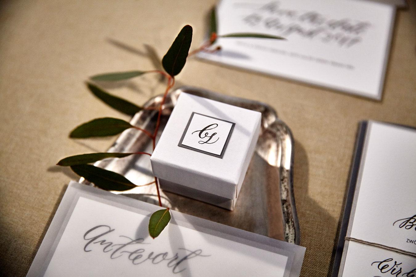 Monogramm Kalligrafie Geschenkbox bs